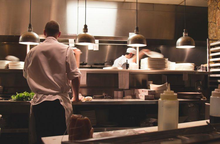 Jakie garnki wybrać do kuchenki indukcyjnej?