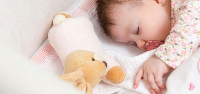 Poduszka dla noworodka przeciw spłaszczeniu główki