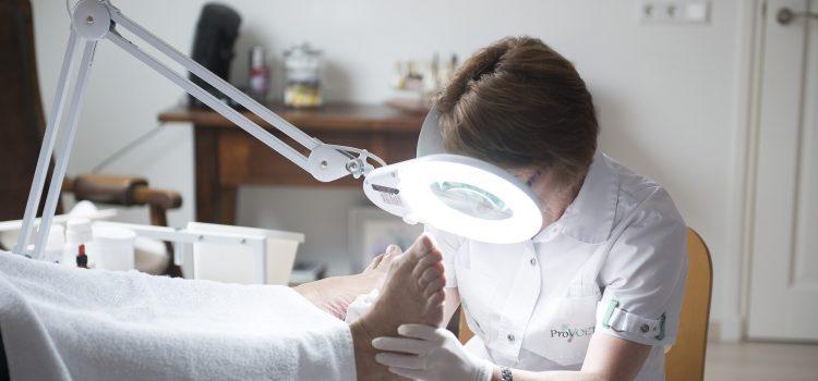 Kostka Arkady czy klamra ortonyksyjna – leczenie wrastających paznokci